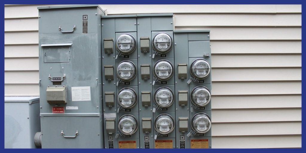 pdl-ancien-compteurs-electriques-exterieur