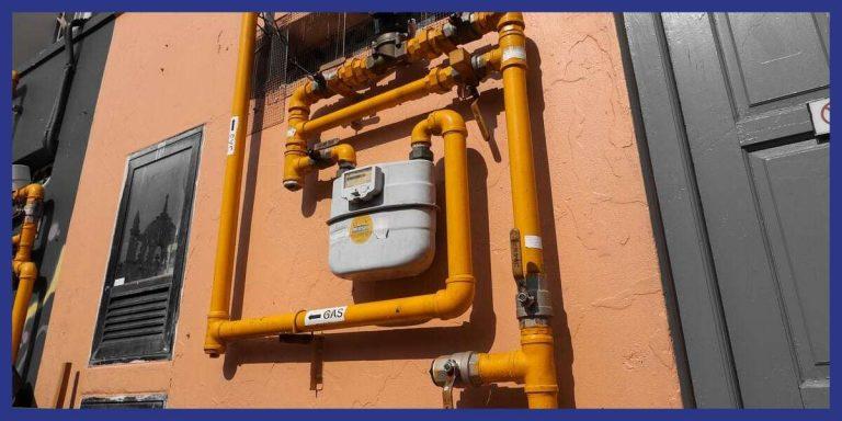 Compteur gaz sur un mur extérieur